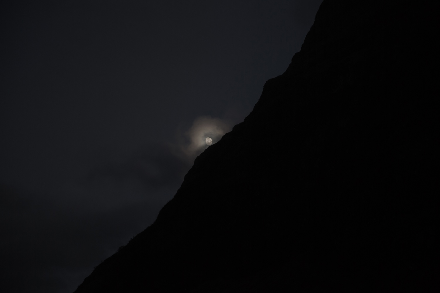 moon in the mountain